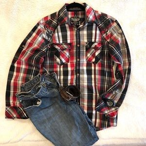 Mens (L) ROAR/ BUCKLE  SHIRT, Black/Red/Gray